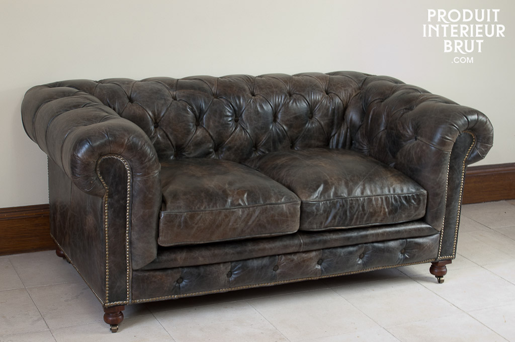 Le canapé Chesterfield Saint James P.I.B.